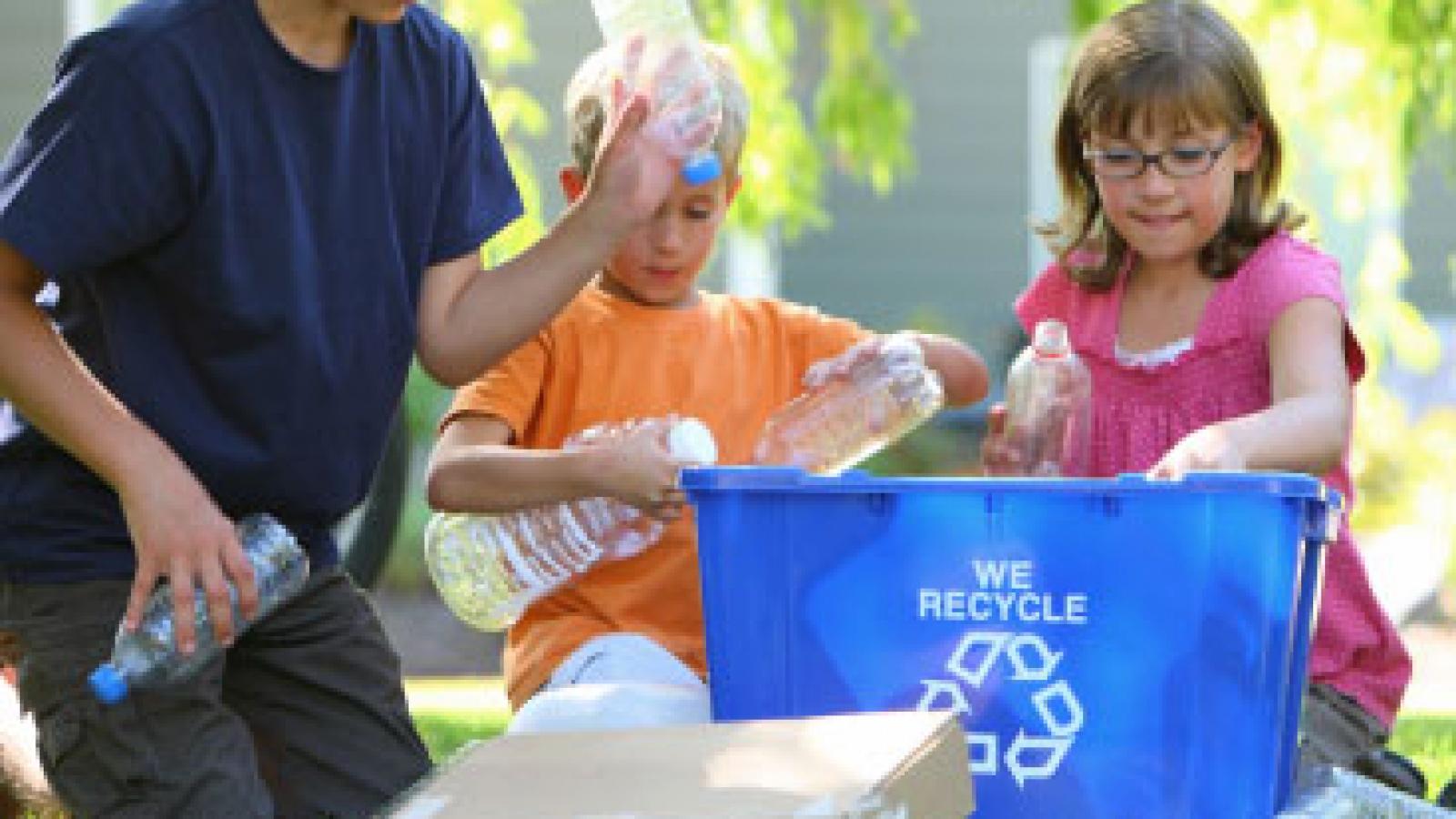 copii-activitate-reciclare